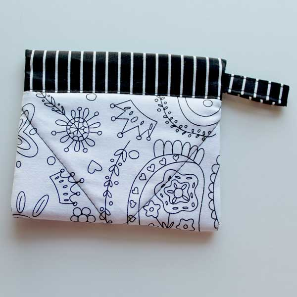 SS Black and white coloring bag 2