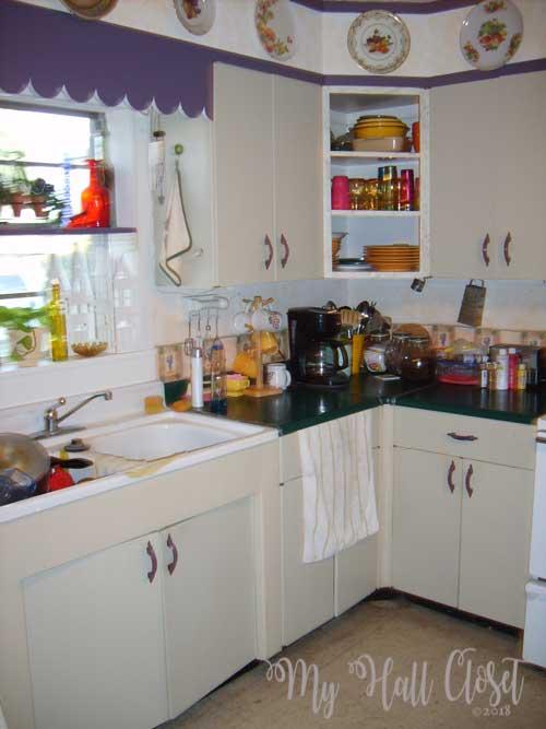 Kitchen update before retro white metal cabinets