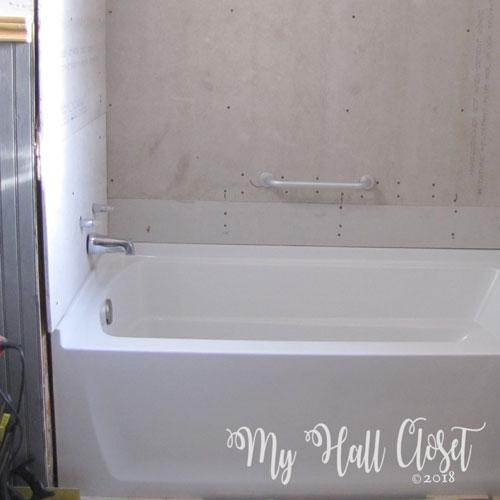 Bathtub ready for tile
